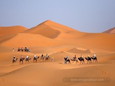 화려한 색감과 섬세한 세공을 자랑하는 북아프리카의 모로코를 완전 일주 할 수 있는 여정입니다.