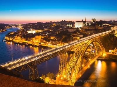 포르투갈의 숨겨진 매력을 찾아서! 포르투 전일 관광으로 알찬 일정 ※ 페냐성, 코임브라 구대학교 입장, 포르투 야경투어, 와이너리 투어