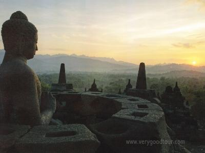 인도네시아의 역사가 깃들어있는 문화유적지 3박 5일 코스