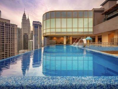 [준특급호텔ㅣ4명부터 출발 확정] 쿠알라룸푸르 완전정복! 색다르고 알찬 일정으로 의미있는 여행을 즐겨보세요