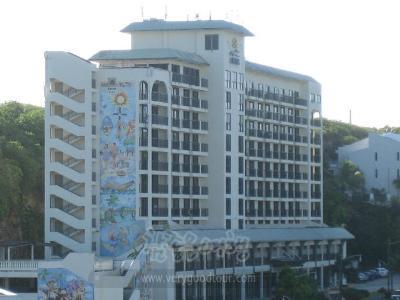 괌 투몬의 중심가를 걸어다닐 수 있는 위치에 있는 호텔